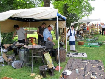 Blacksmith at Glensheen Festival of Fine Art and Craft ~ Duluth, MN (Photo: Kat B./travelgardeneat)