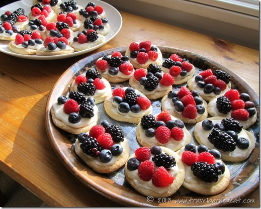 mini fruit pizzas 5_24_13