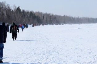 Crowds of visitors to the Apostle Islands ice caves on 3/1/14