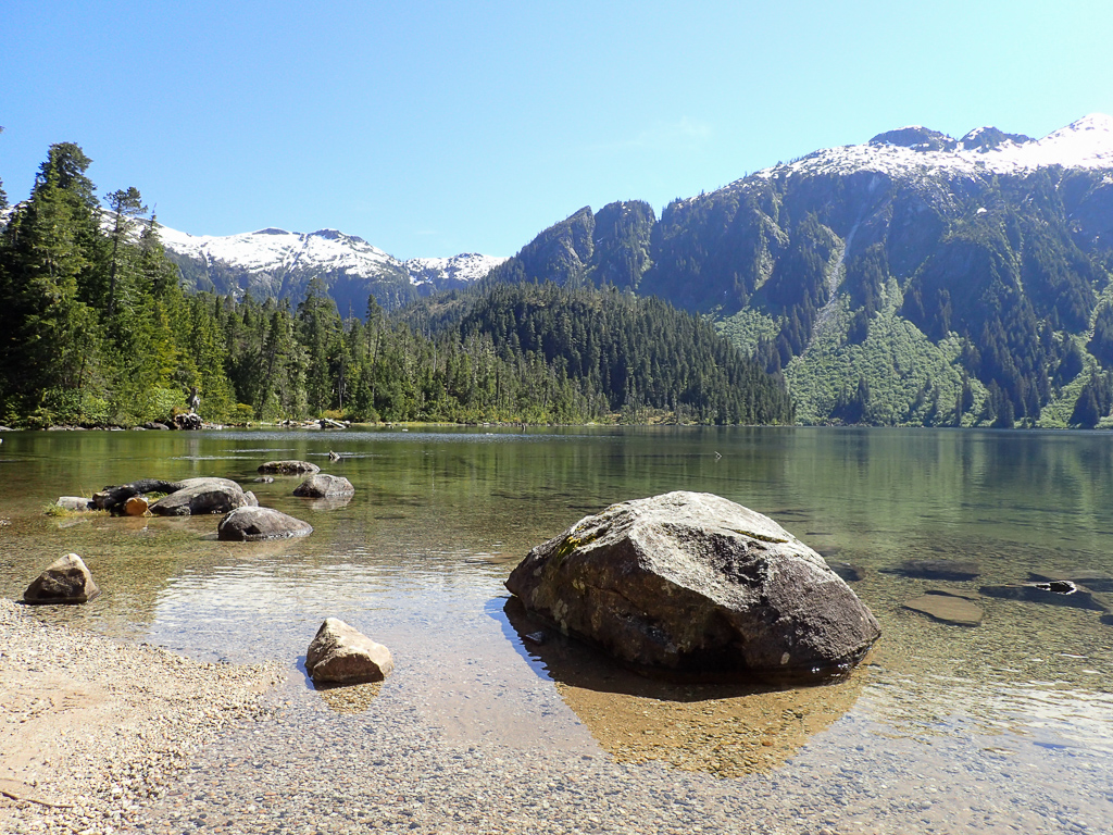 Scenic lake stop on the way to Baranof Warm Springs